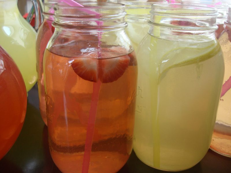 Mason Jars Lemonade