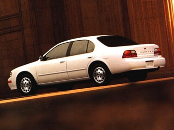 white nissan maxima
