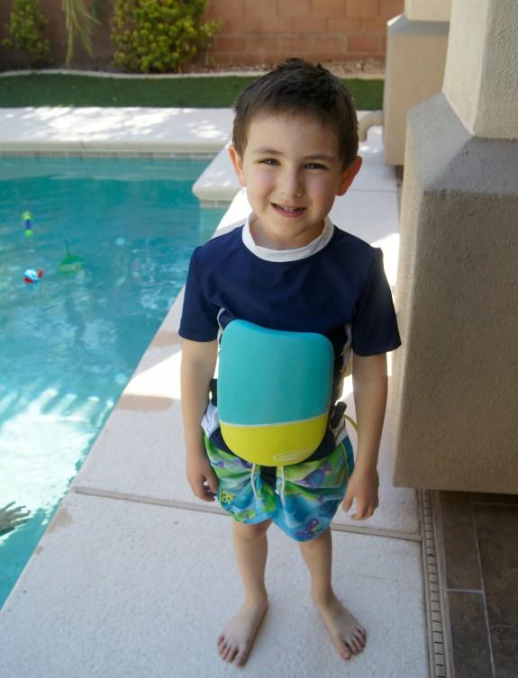 Shane wearing Banana Boat Sunscreen & going swimming!