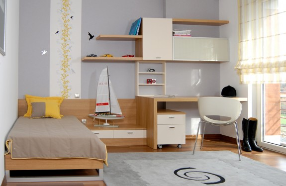 Tips for Organising a Teen's Small Bedroom