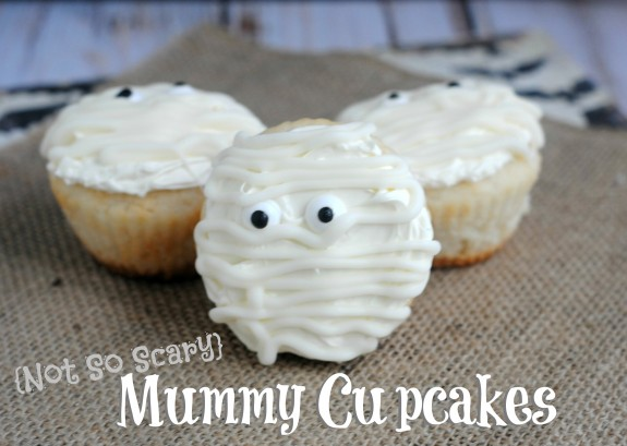 Not So Scary Mummy Cupcakes- Perfect for even the littlest Trick-or-Treaters!