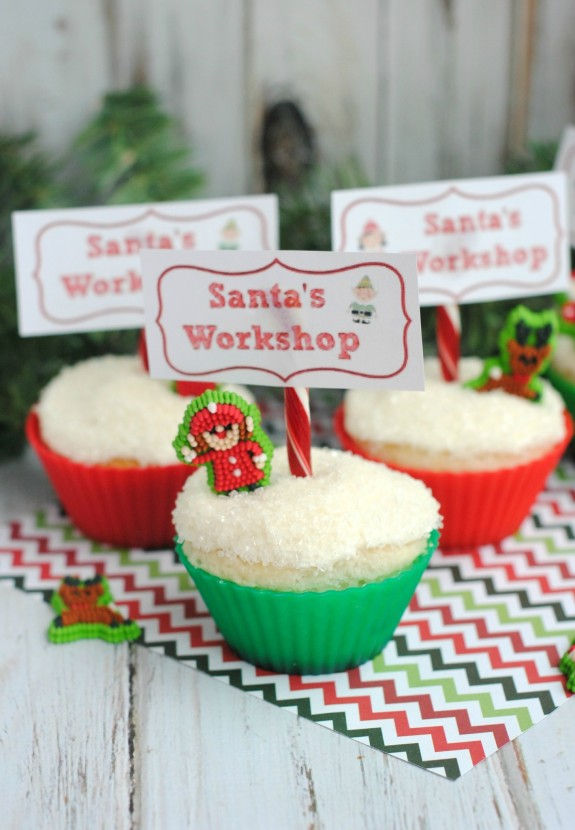 Santa's Workshop Cupcakes- an Easy Baking Idea for Christmas!