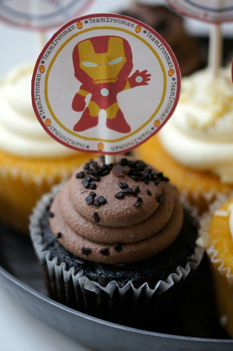Free Printable Iron Man Cupcake Toppers- Team Iron Man Cupcakes to Celebrate Captain America Civil War!