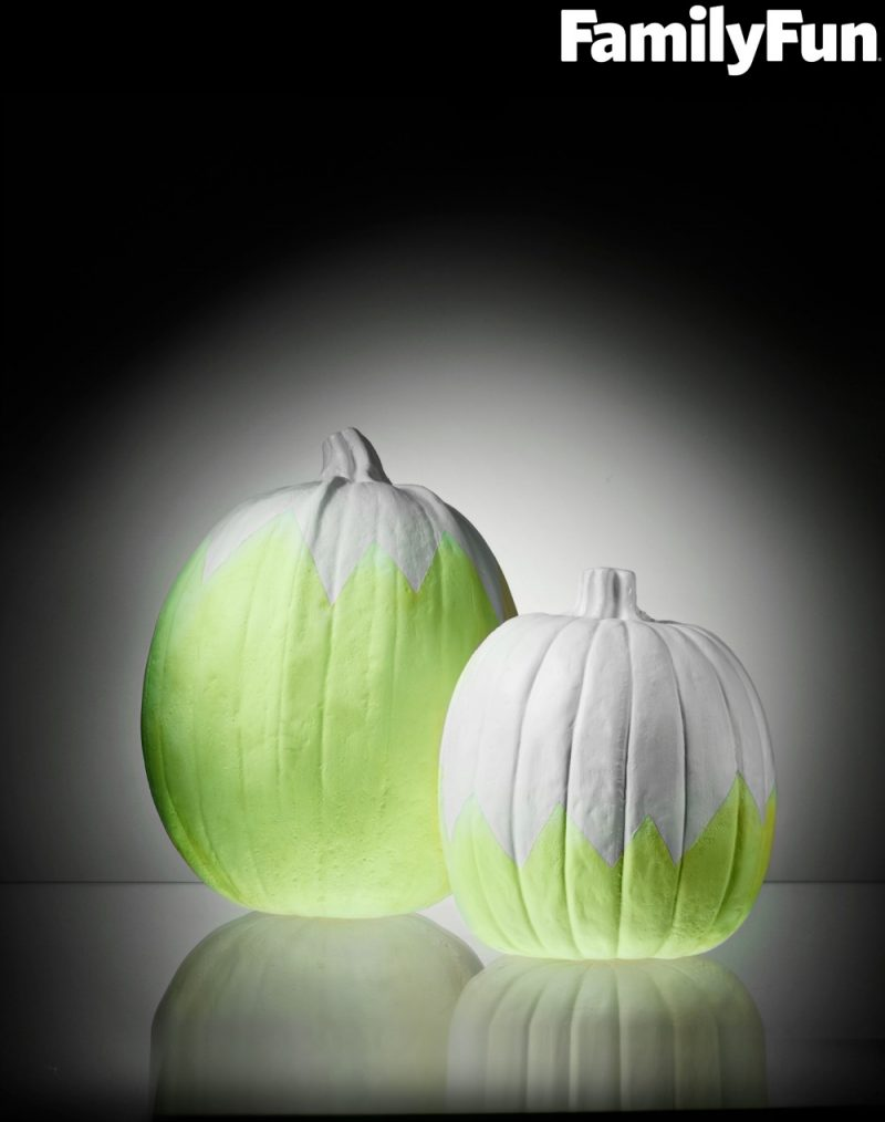 If you're looking for easy and creative no carve pumpkin decorating ideas for kids and adults alike, be sure to check out these glow in the dark pumpkins! Since they are no carve and don't use real candles, you can display them all fall- pumpkins aren't just for Halloween anymore!