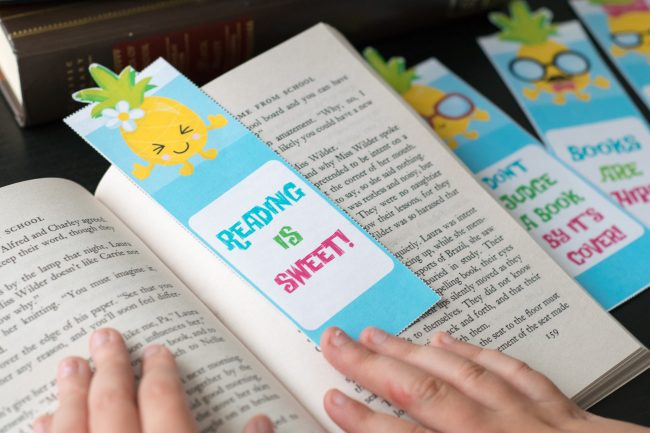 Have a young reader at home? Make reading both educational AND fun with these free printable pineapple bookmarks! Reread your favorites with your kids or find them a new favorite series- and make it easier with these free printable bookmarks, perfect for back to school!