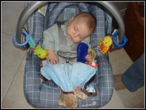sleeping baby carseat
