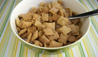 An Apple A Day… {Apple Cinnamon Chex Giveaway!}