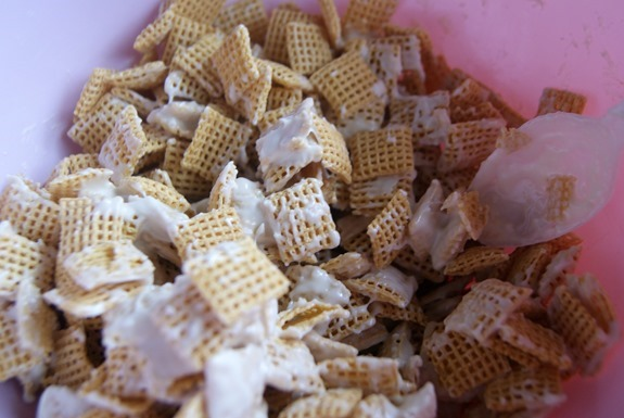 Muddy Buddy Snack Mix is not just for Christmas! With just a few small swaps, you can make this delicious Chex snack perfect for any holiday, including this Valentine's Day version! It's so easy to make and kids love Muddy Buddies!