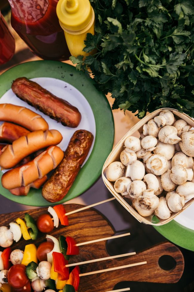 The perfect backyard party needs one thing- delicious barbecue! Get some easy recipes ideas for everything from chicken to ribs to beef to pork- all you'll need are the side dishes!