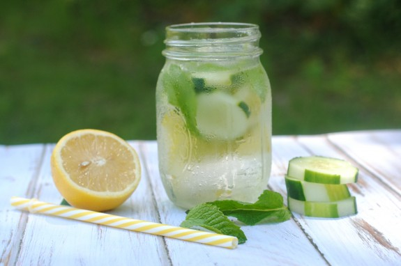 Drinking enough water is so important for your health! Whether you're trying to drink more water to detox your body or for fitness or weight loss goals, flavored and fruit infused water makes it a little more fun! This recipe for Cucumber Lemon Mint Infused Water is delicious and easy to make, so you'll stay hydrated all summer long.