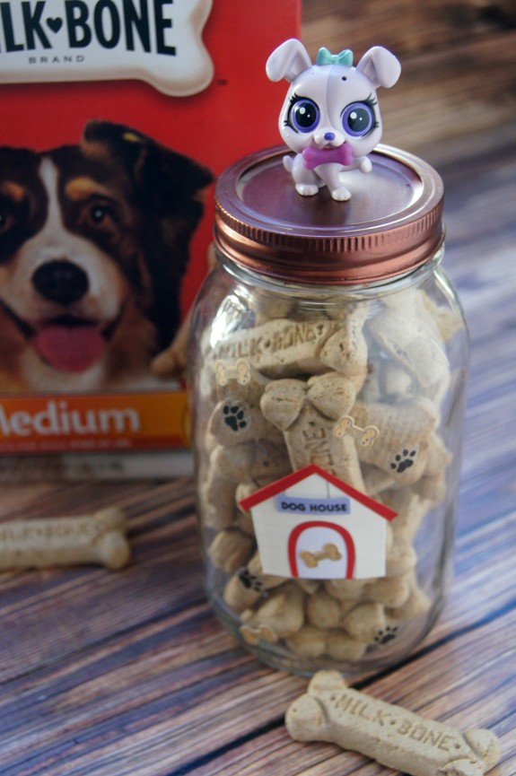 DIY Dog Treat Jar Craft Idea #TreatThePups