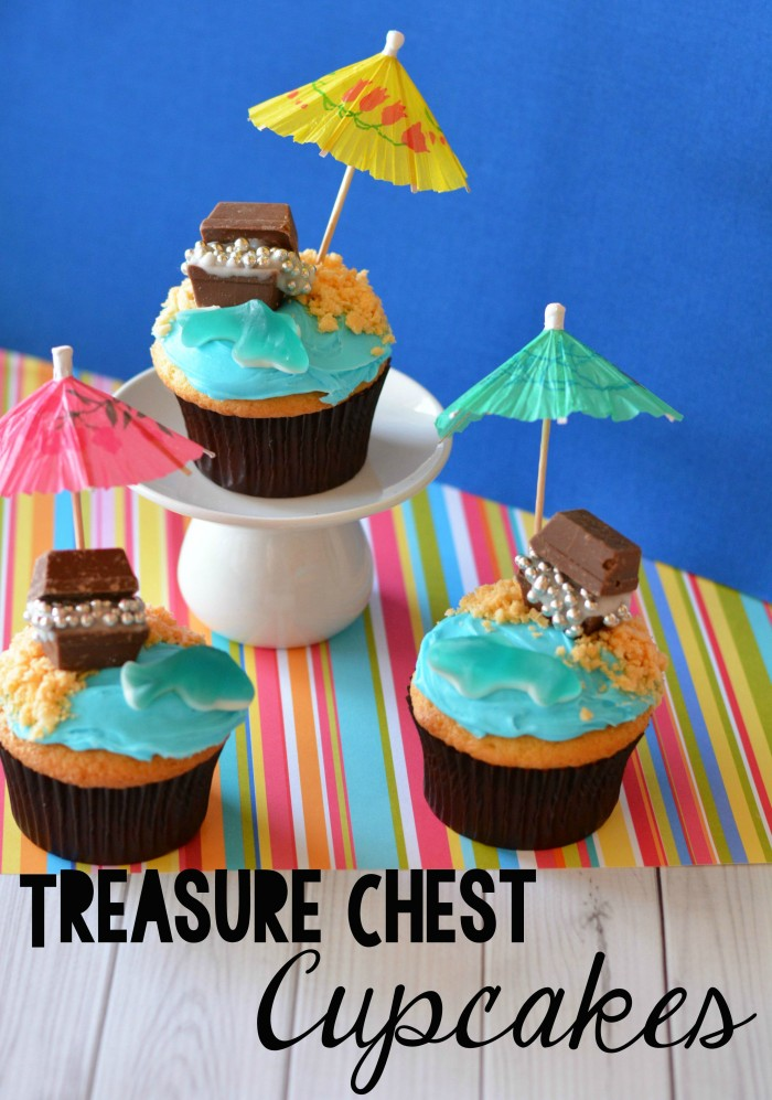 Treasure Chest Cupcakes- perfect for pirate parties, beach parties, and summer parties!