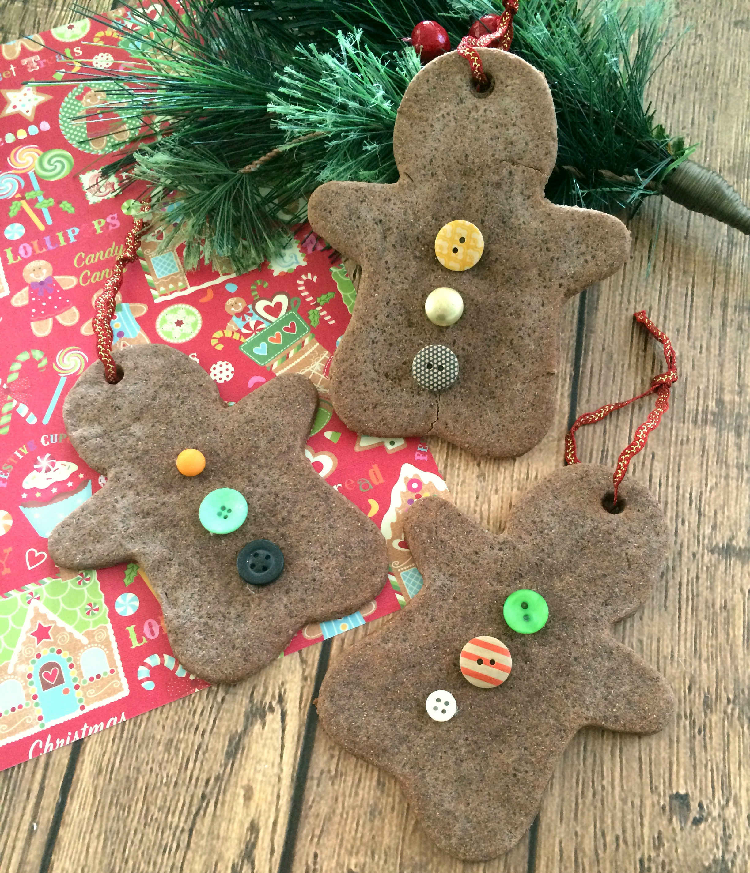 DIY Christmas Ornaments: Gingerbread Scented Salt Dough
