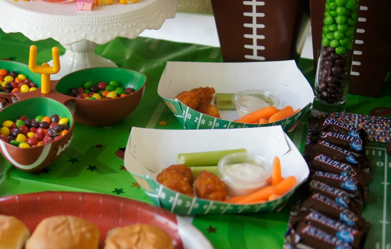 Football Party Chicken Wing Trays for Kids