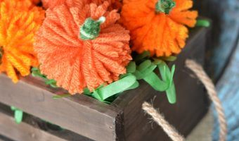 Easy DIY Yarn Pumpkins {+No Sew Pumpkin Garland!}