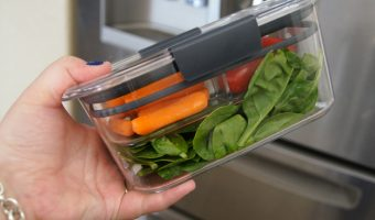 Save Time on Weekday Lunches with the Rubbermaid BRILLIANCE Salad & Snack Containers!