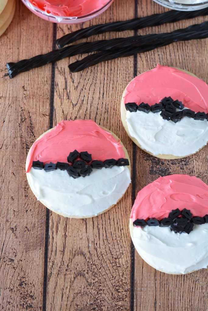 Having a Pokemon birthday party? Or have kids who just love all the Pokemon characters? This Pokeball Sugar Cookie Recipe is easy and delicious- and so cute!