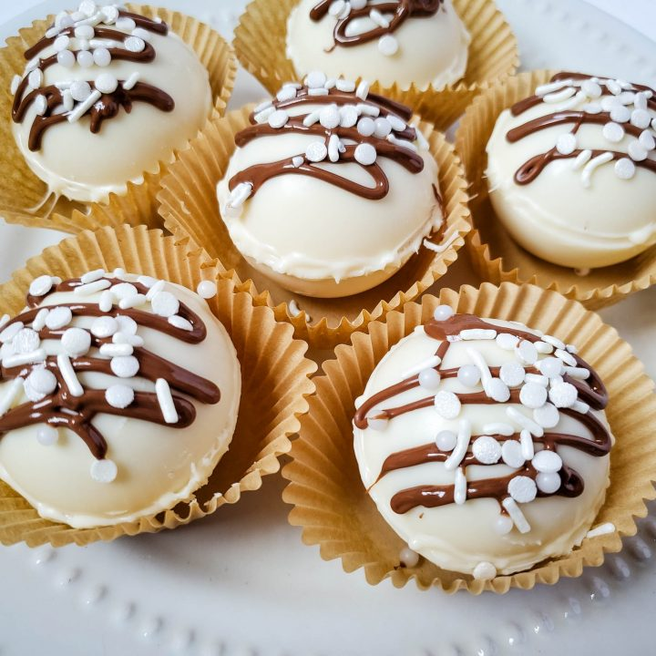 White Chocolate Caramel Cappuccino Bombs